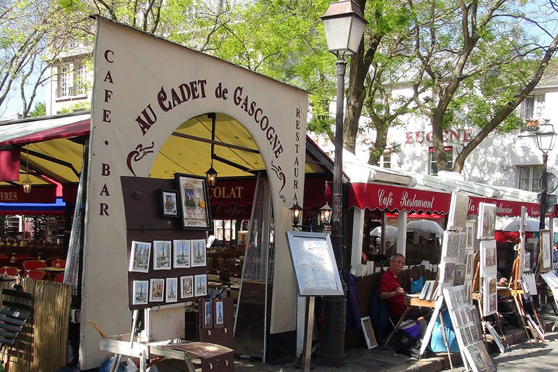 Artists-village-Montmartre-Paris-private-guided-tours-by-car-with-DriverGuideFrance