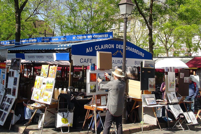 Artists-village-in-Montmarte-Paris-private-guided-tours-by-DriverGuideFrance