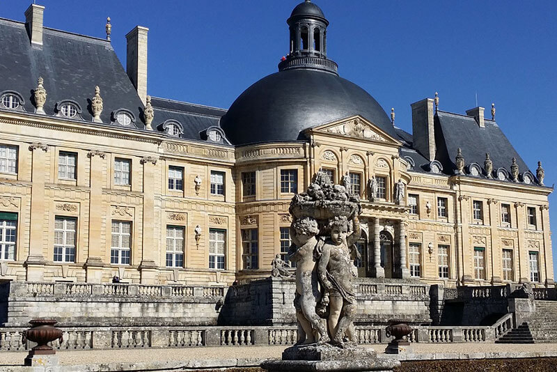 Castle-Vaux-Le-Vicomte-private-guided-tours-from-Paris-by-DriverGuideFrance