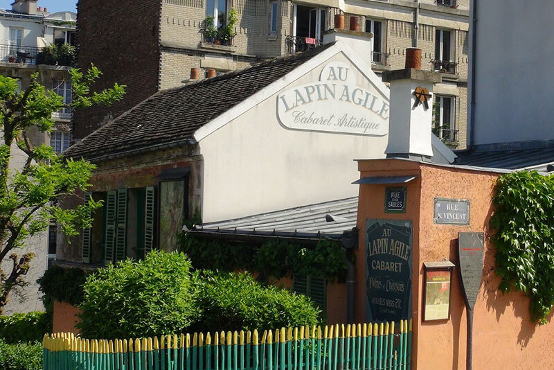 Lapin-Agile-cabaret-Montmartre-private-guided-tours-by-DriverGuideFrance