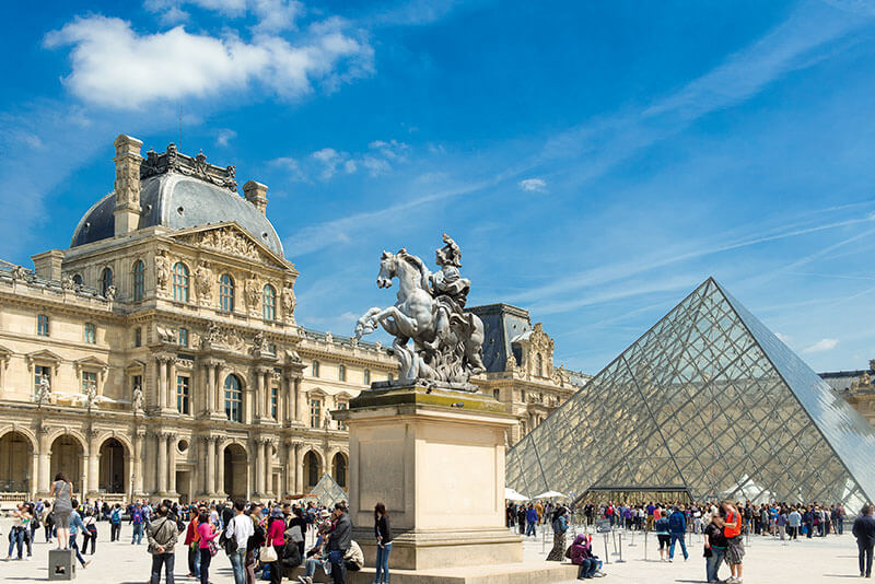 Museum-private-guided-tours-by-DriverGuideFrance