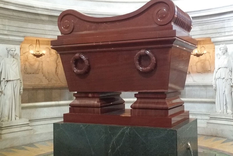 Napoleon-Sarcophagus-Invalides-Paris-Private-Guided-Tour-by-car-minivan-by-DriverGuideFrance