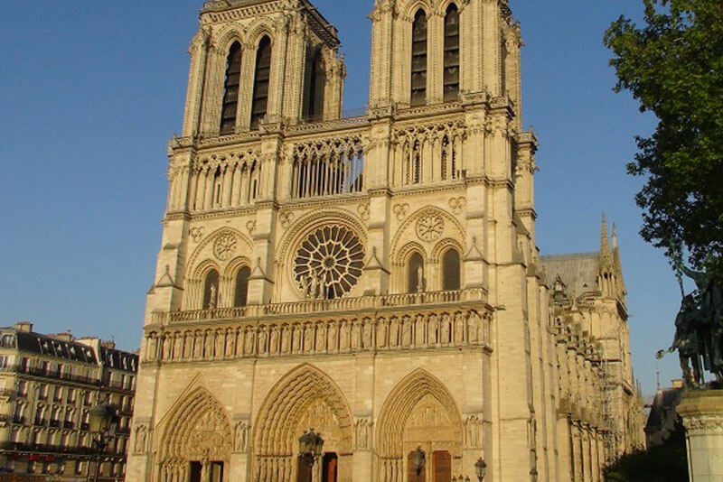 Notre-Dame-Cathedral-Paris-Private-Guided-Tour