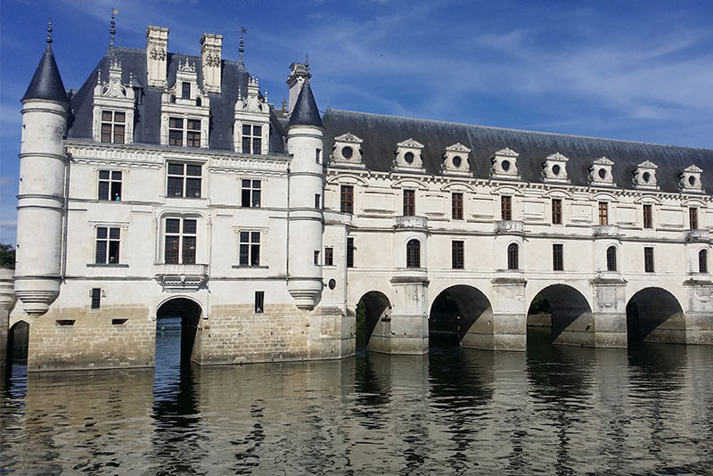 chenonceau-castle-Loire-valley-private-tours-by-Driver-Guide-France