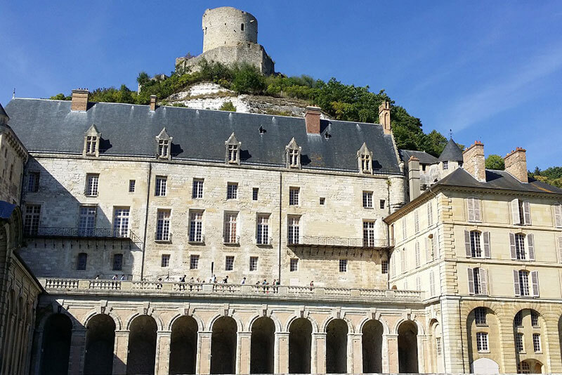 Castle-La-Roche-Guyon-marvels-of-the-Seine-Valley-by-private-guided-tours-from-Paris-DriverGuideFrance