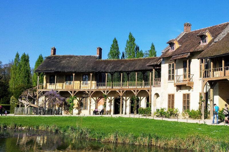 Marie-Antoinette-hamlet-Versailles-DriverGuideFrance-v