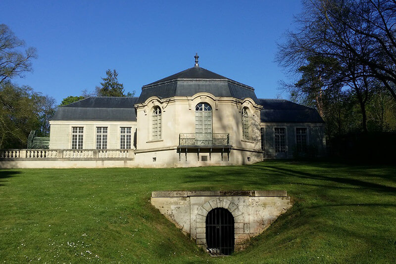 Maison-de-Sylvie-Chantilly-park-Private-guided-tours-by-car-from-Paris-by-Driver-Guide-France-Christophe-Burtaire