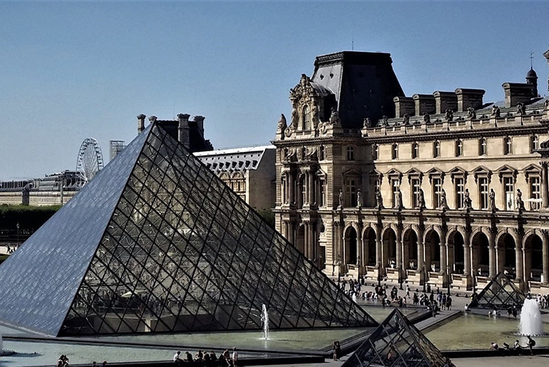Louvre-Pyramid-Paris-private-guided-tours-by-Drive-Guide-France-photo-Christophe-Burtaire-your-qualified-tour-guide-in-Paris