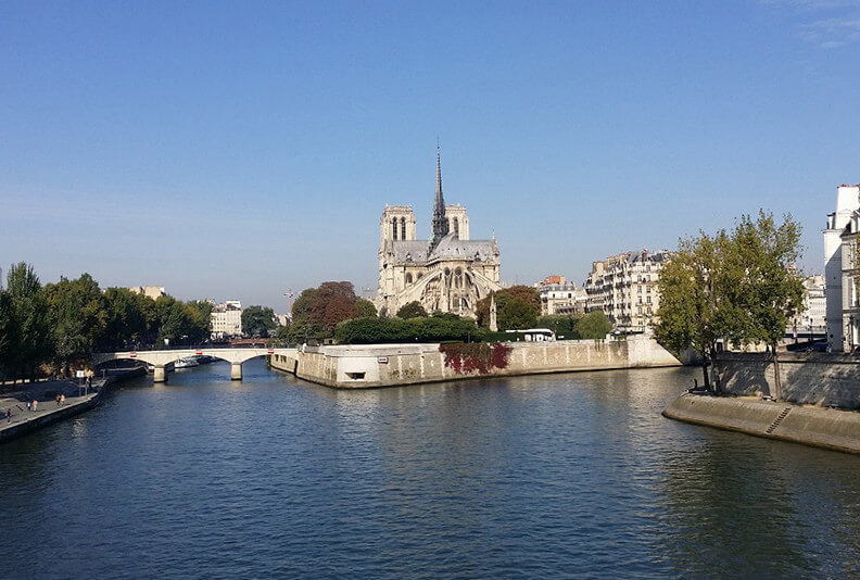 Notre-Dame_cathedral__private_guided_tours_from_paris_by_driveer_guide_france_christophe_burtaire