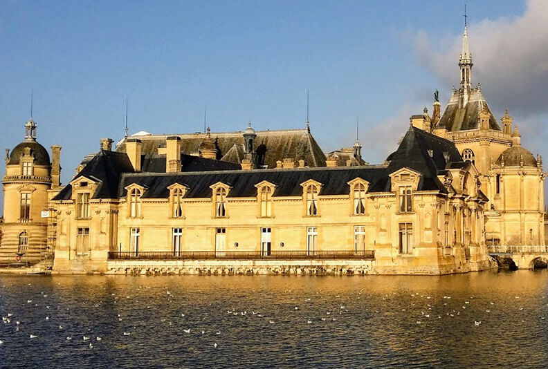 The-castle-of-Chantilly-Private-Guided-Tours-from-Paris-by-Driver-Guide-France-C-Burtaire